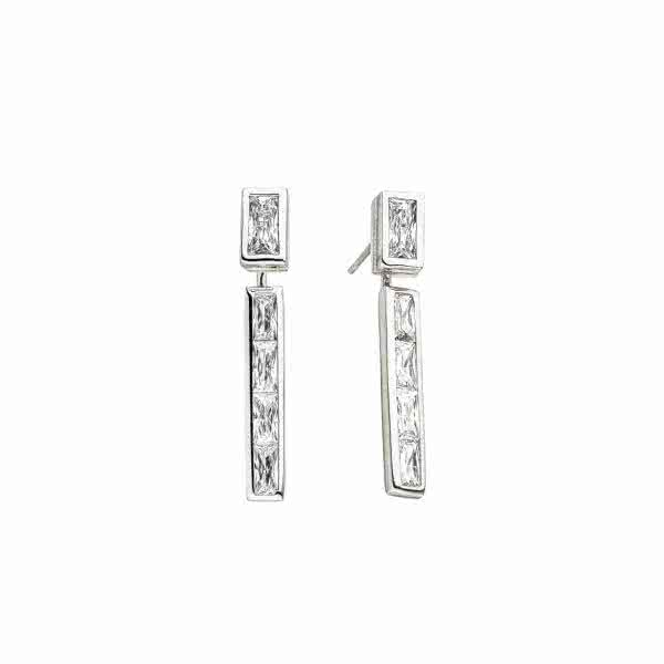 Magnetic earrings in trendy design with zirconia